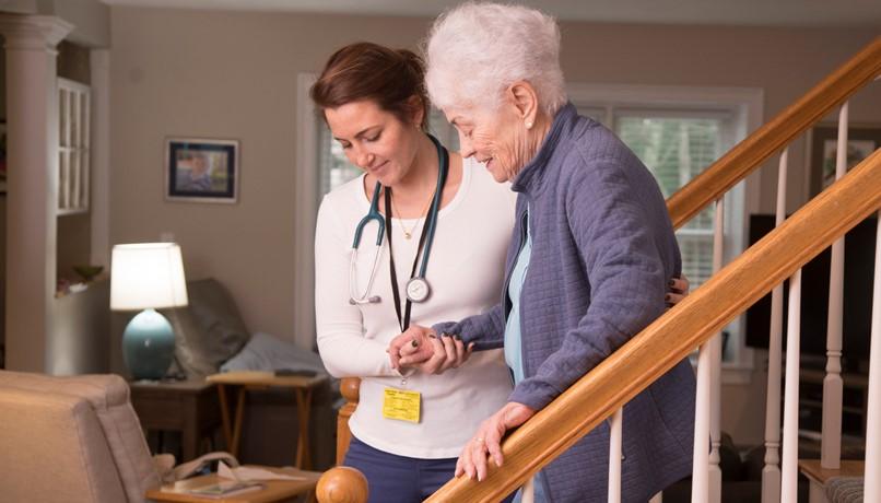 پرستاری از سالمند در منزل