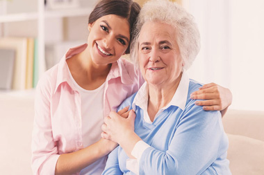 نگهداری از سالمندان در خانه