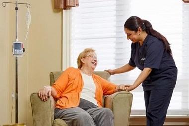 پرستار نگهداری از سالمندان--پرستار سالمند