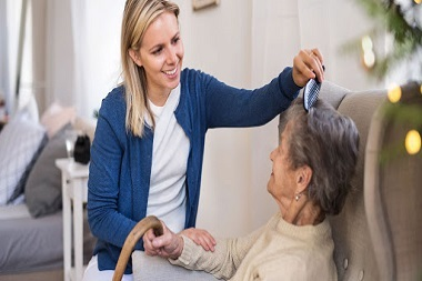 آشنایی با پرستاری از سالمند در منزل